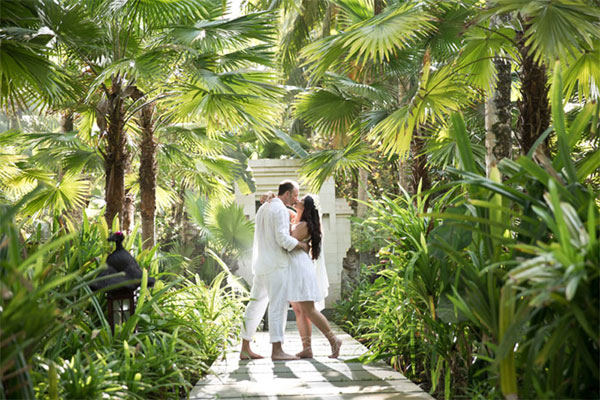 Wedding and Honeymoon at Kelapa Retreat